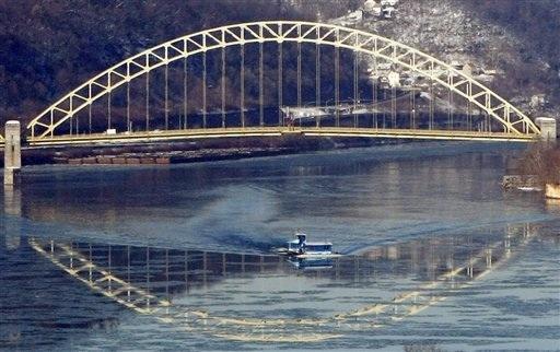 APTOPIX Bridge reflec_Chav